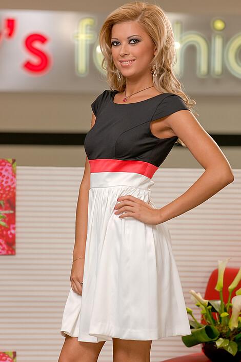 Платье за 6450 руб.