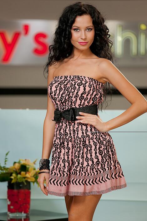 Платье за 2380 руб.