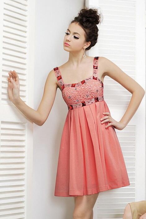 Платье за 6690 руб.