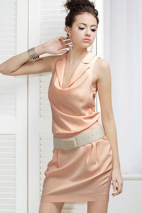 Платье за 4880 руб.
