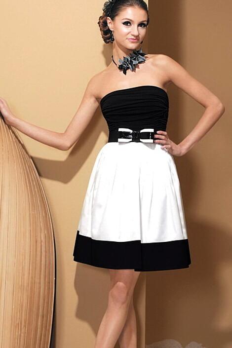 Платье за 4900 руб.
