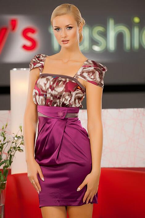 Платье за 6910 руб.